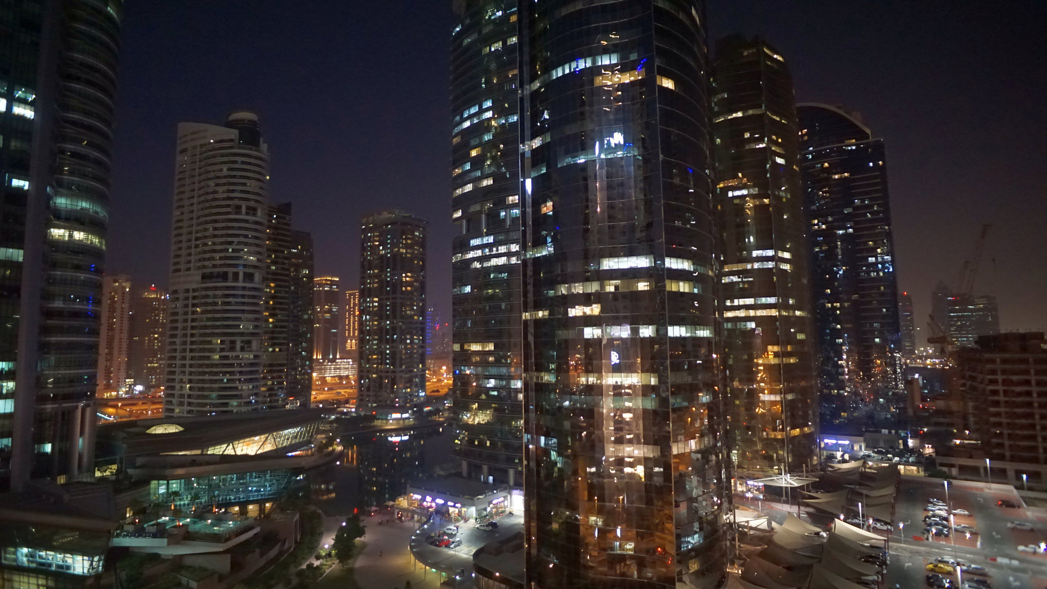 Struggling to Make Friends in Dubai? Try These 7 Easy Tips