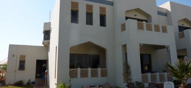 Dubai house with garden