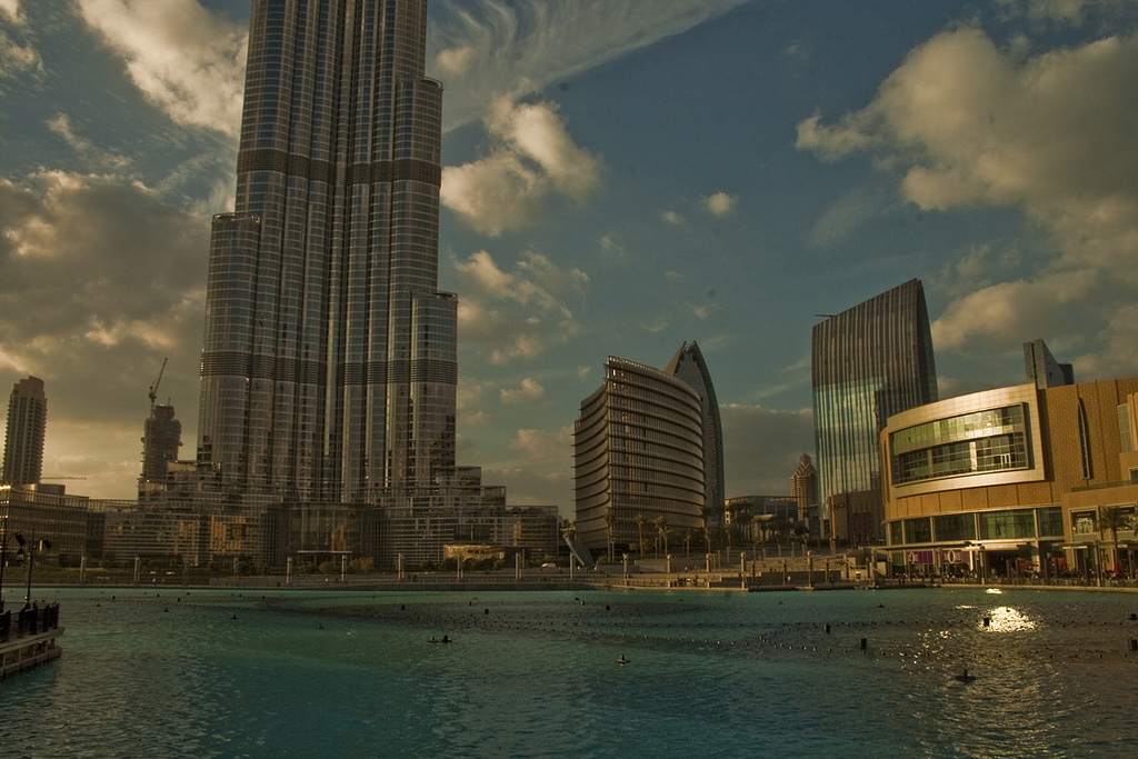 How to Work in Dubai as an American - Dubai Expats Guide